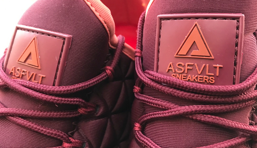 asphvlt-sneakers-speed-socks-triangle-cabernet-ketchup-03.jpg