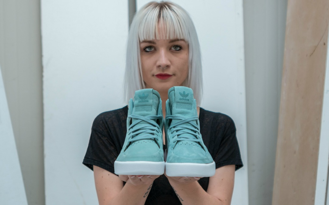 adidas-originals-x-foot-locker-tubular-invader-women's-02.jpg
