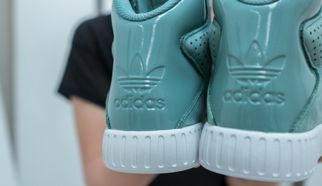 adidas-originals-x-foot-locker-tubular-invader-women's-06.jpg