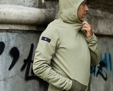 riot-division-2-pockets-stealth-hoodie-06.jpg