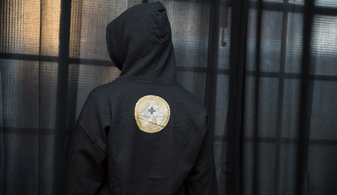 lrg-x-no-limit-medallion-hoodie-03.jpg