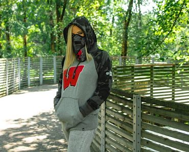 686 x '47 Wisconsin Tundra hoodie and Union Face mask