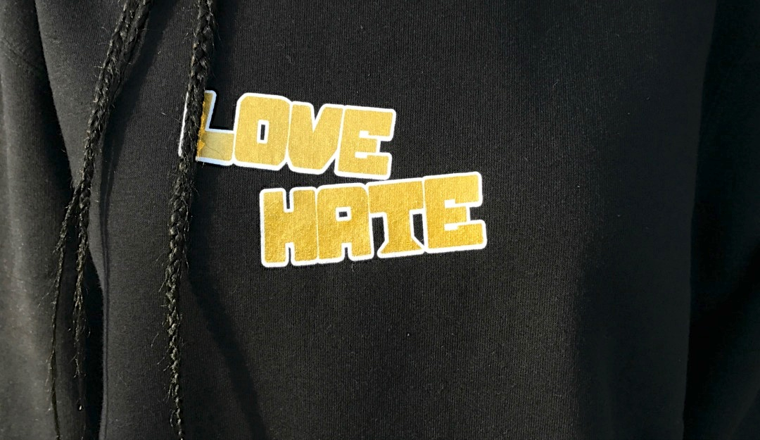 move-love-hate-crewneck-02.jpg