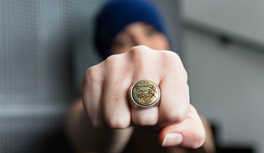 double-u-frenk-opposite-tattoo-panther-ring-antique-royal-blue-beanie-02.jpg