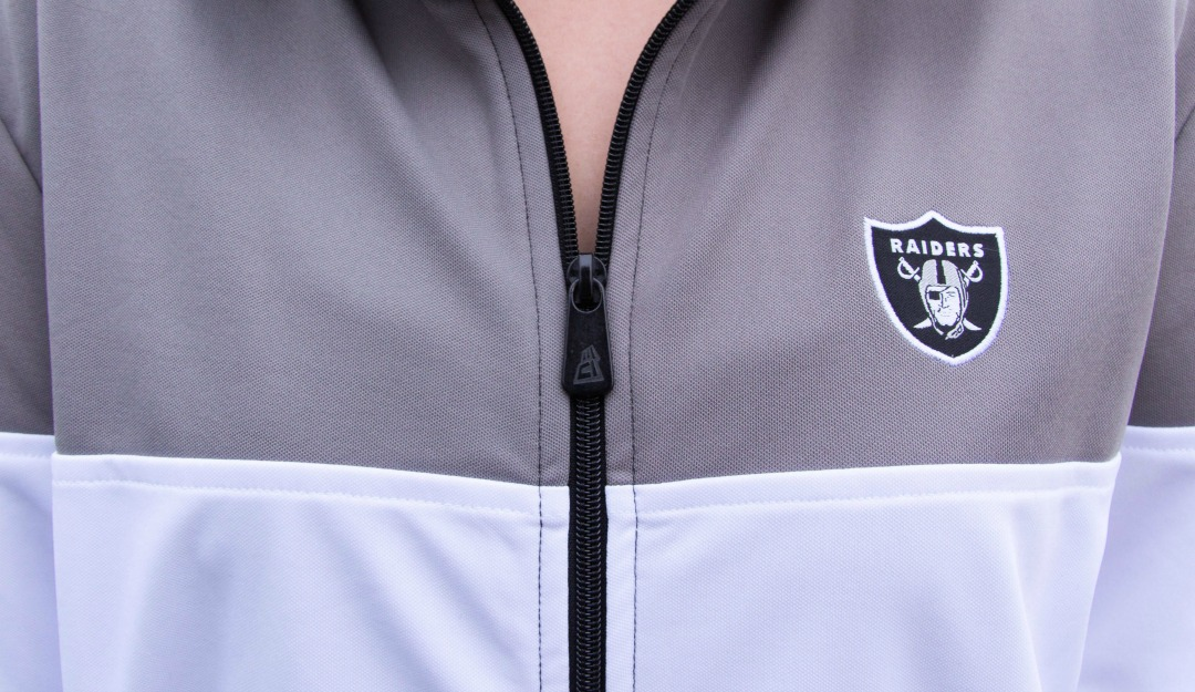 new-era-oakland-raiders-border-edge-tracktop-04.jpg