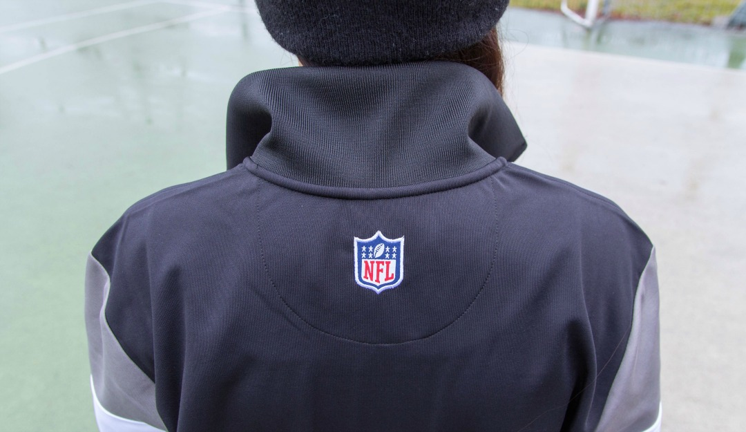 new-era-oakland-raiders-border-edge-tracktop-06.jpg