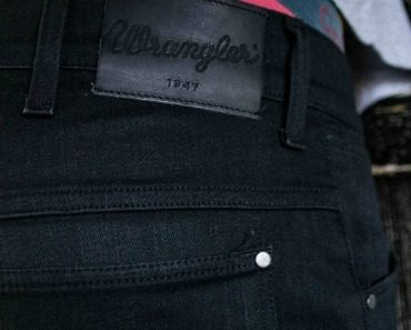 wrangler-bouton-perfect-black-07.jpg
