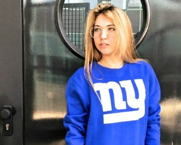 47-new-york-giants-district-crewneck-06.jpg
