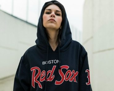 '47-boston-red-sox-knockaround-pullover-hood-06.jpg
