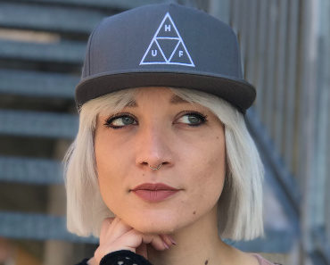 huf-essential-triple-triangle-snapback-05.jpg