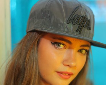 just-hype-charcoal-reflective-script-snapback-05.jpg