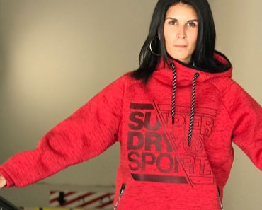 superdry-gym-tech-stretch-graphic-overhead-hoodie-08.jpg